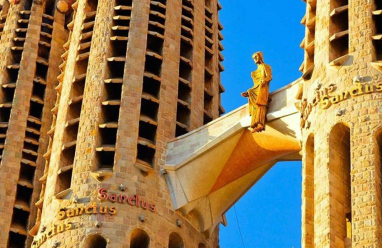 top 10 sagrada familia barcelone